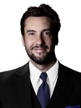 Clay-Travis-studio-2.vadapt.476.high_.831